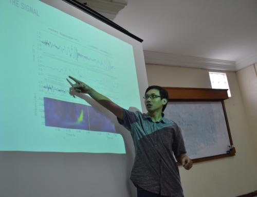 Dr. Reinard Primulando dari Fisika Universitas Parahyangan berkunjung ke Prodi S2 P.Fisika UAD